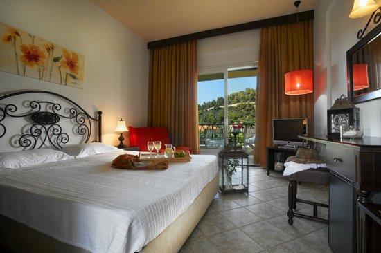 Early Booking Discount понуда од хотел  Athena Pallas Village 5*****